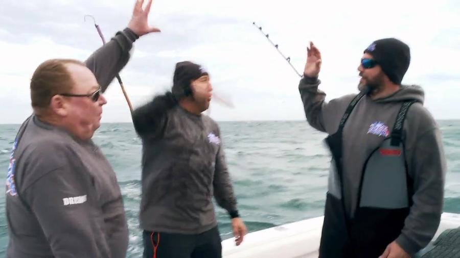 Wicked Tuna Outer Banks S07E01 Clash of the Titans 720p WEB h264-CAFFEiNE