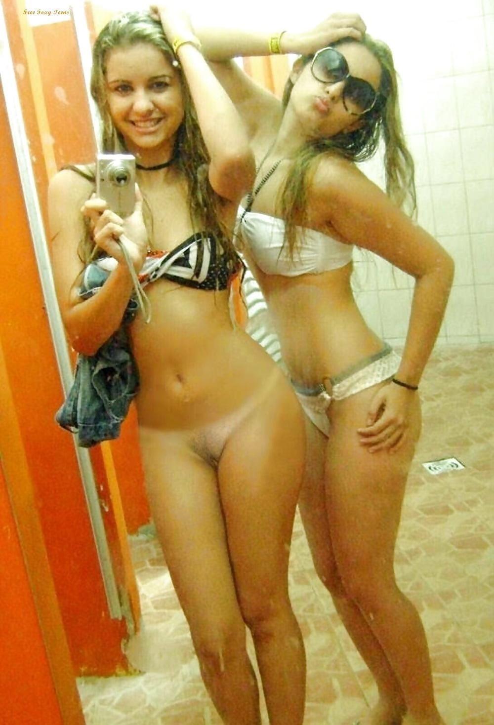 Naked girls mirror selfie-8872