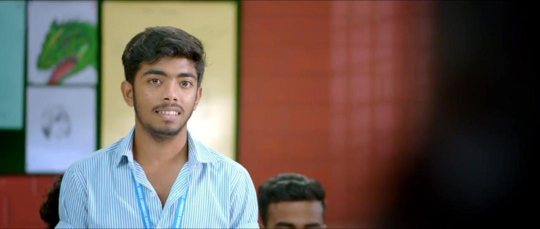 Oru Adaar Love (2019) UNCUT 720p HDRip x264 Esubs [Dual Audio][Hindi+Malayalam]