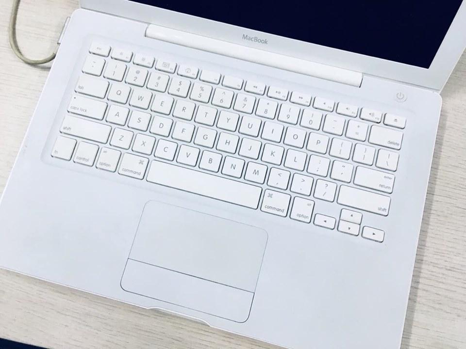 Thanh lý 1 em Macbook White giá chỉ 2t5 - 1