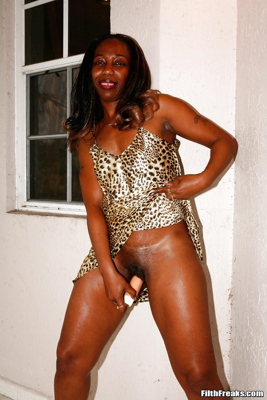 Ebony dirty soles-4717