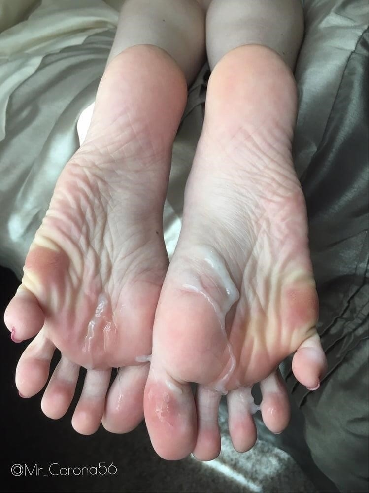 Beautiful feet babes-6066