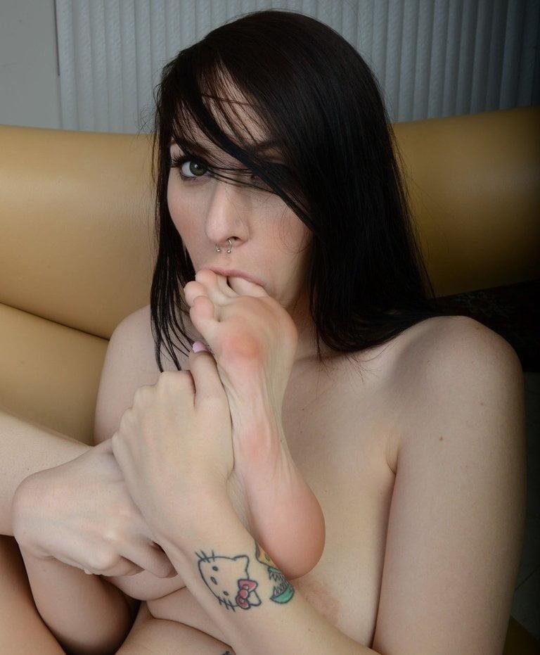 Princess bridgette foot worship-7313
