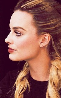 Margot Robbie FzA4ZT2V_o