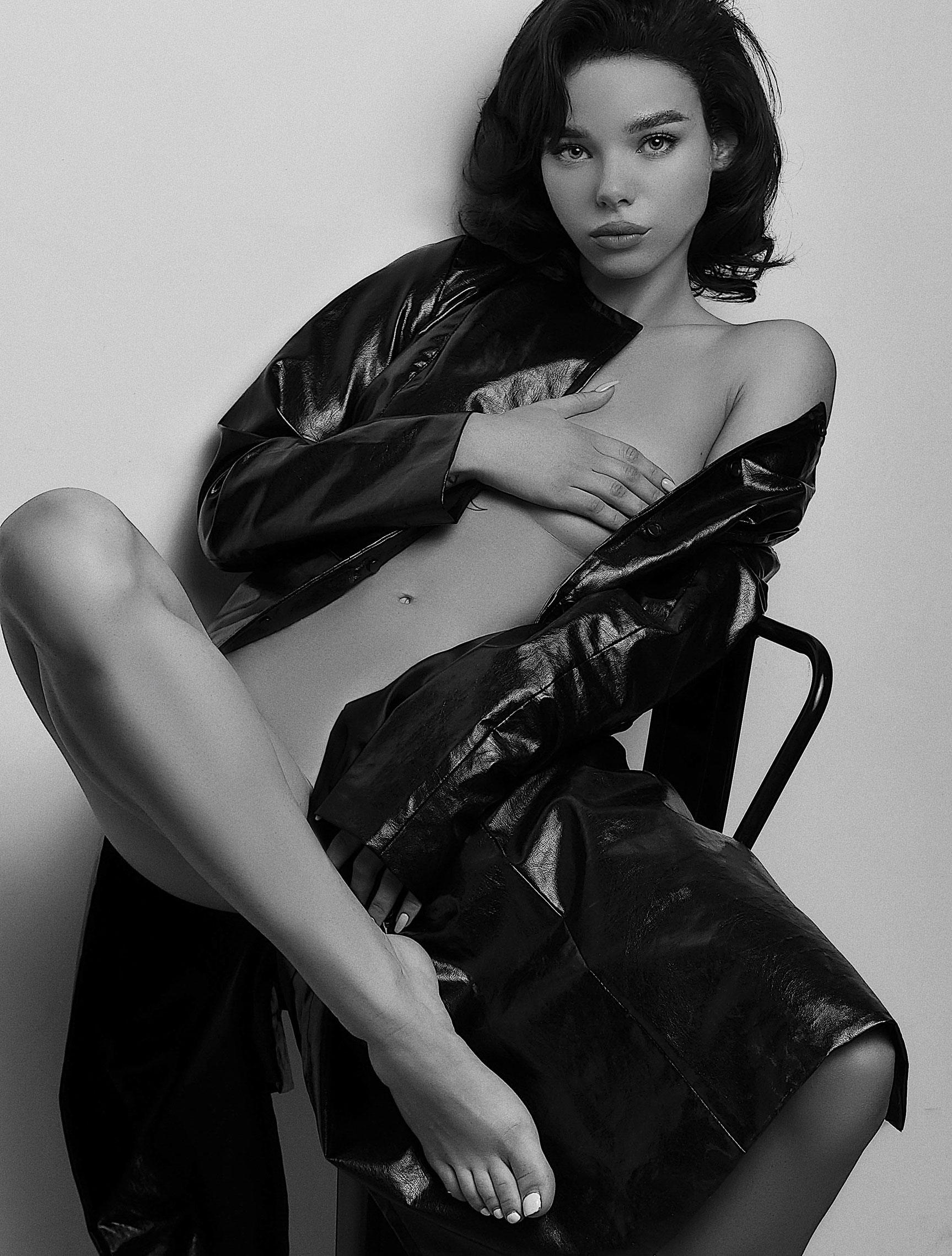 Lina Li by Lexa Kim