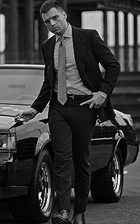 Sebastian Stan Y5lVHUz8_o