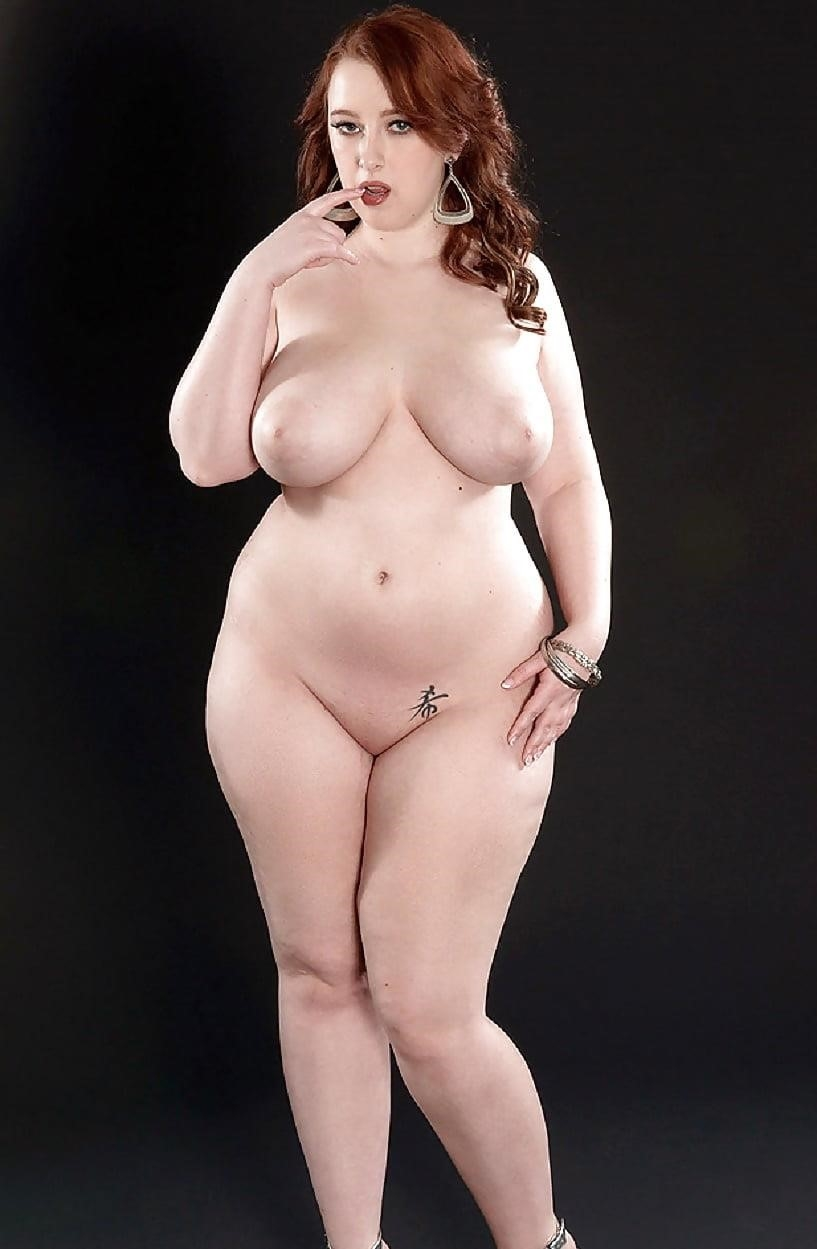 Beautiful voluptuous naked women-3176