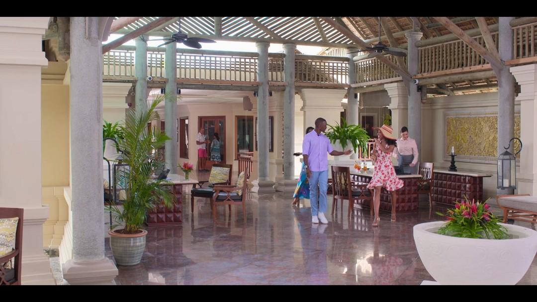 Resort to Love (2021) 1080p WEB-DL H264 DDP5 1 [Dual Audio][Hindi+English] DUS Exclu