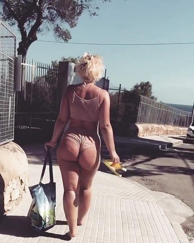 Big tits sexy image-8928