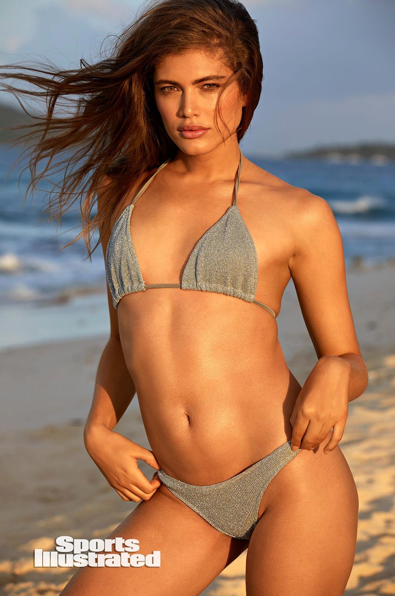 Валентина Сампайо в каталоге купальников Sports Illustrated Swimsuit 2020 / фото 13