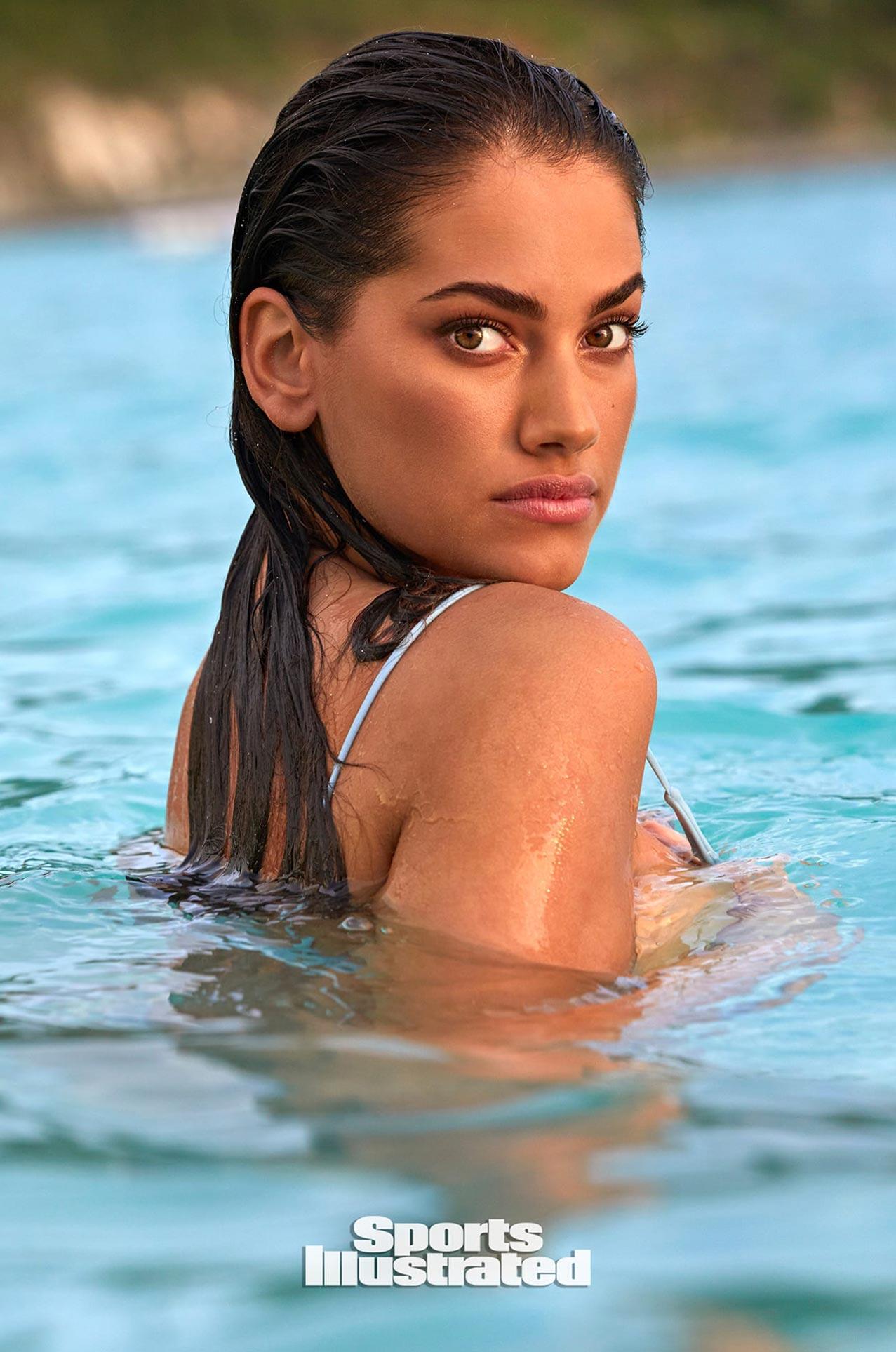 Лорена Дюран в каталоге купальников Sports Illustrated Swimsuit 2020 / фото 26