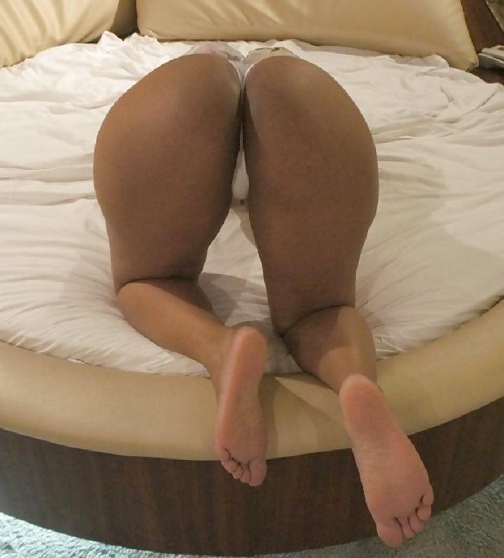 Perfect ebony booty-2919