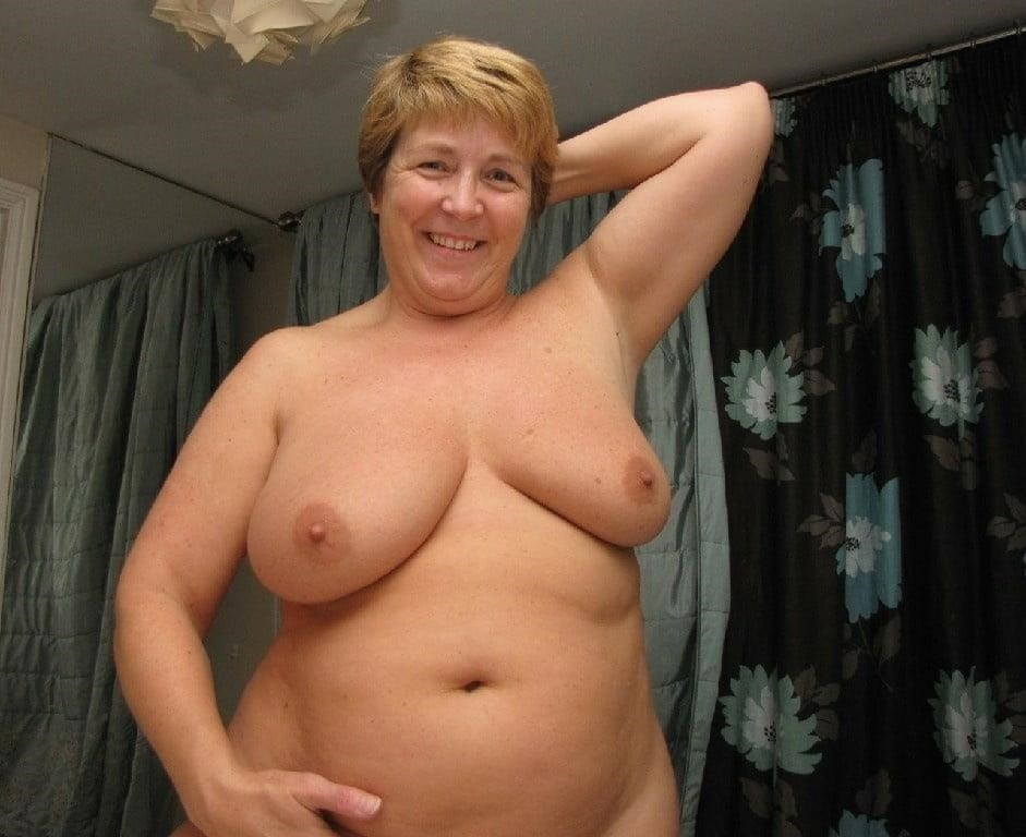 Nude grannies with big tits-8223