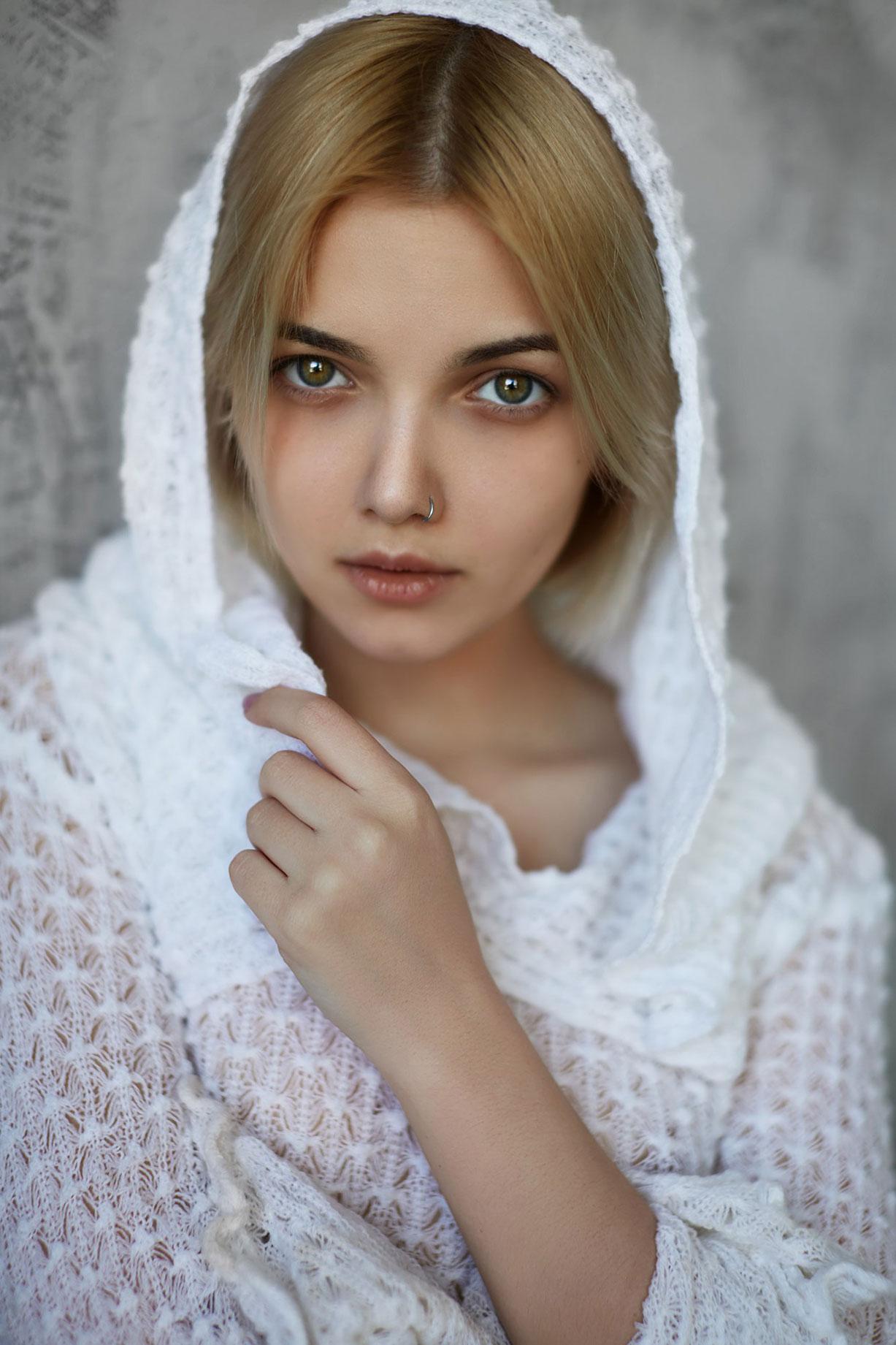 Victoria Sokolova by Dmitriy Lobanov