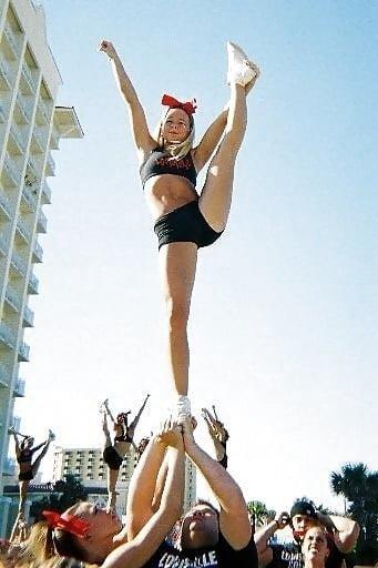 Cheerleader nude selfies-9538