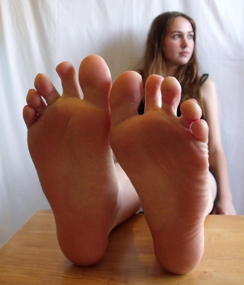 Beautiful feet babes-5960