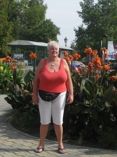 Busty granny porn pics-6131