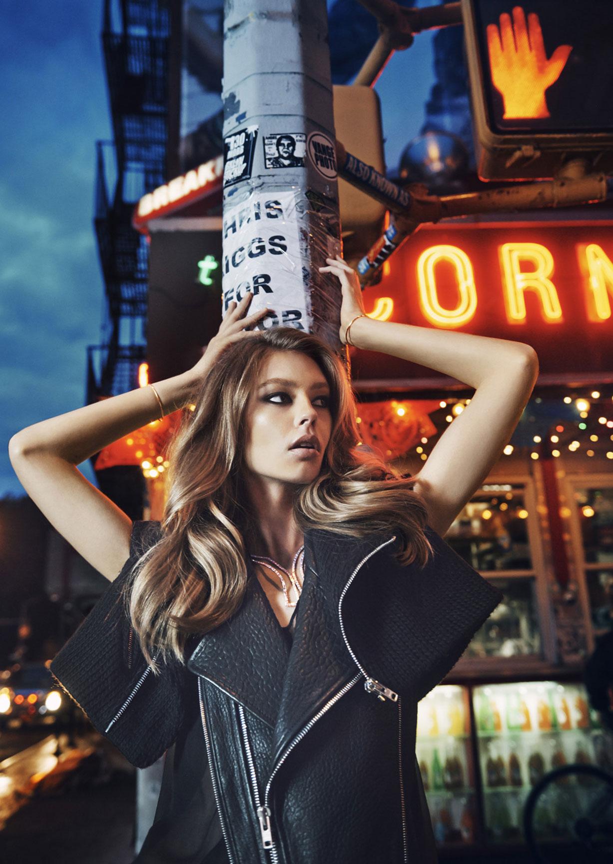 Прогулка по Нью-Йорку в украшениях Тиффани / Grand Central / Ondria Hardin by David Mandelberg / Harpers Bazaar Australia September 2014