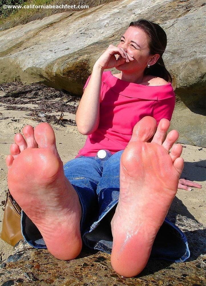 Beautiful feet babes-6313