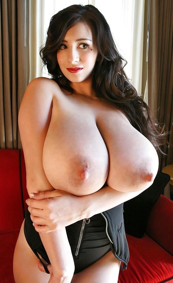 Very big naked tits-9947
