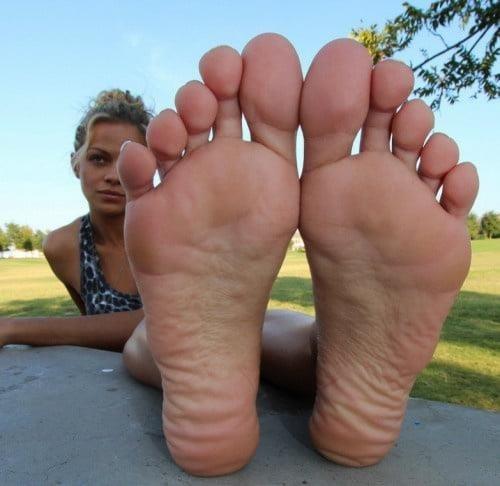 Mom foot fetish-5076