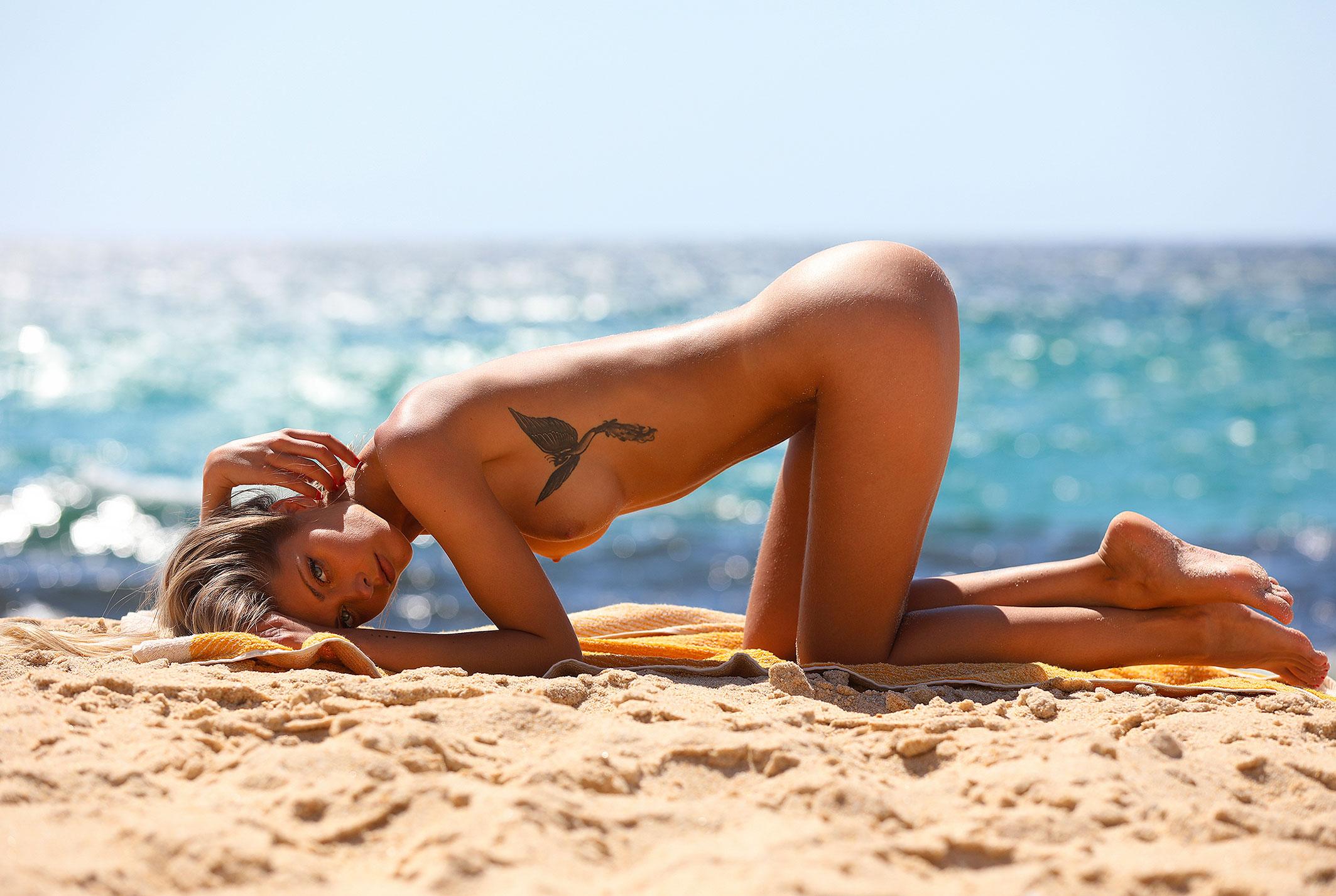 Девушка месяца Алина Бойко, Playboy Нидерланды август 2020 / фото 22