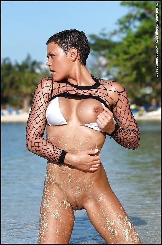 Beautiful fit naked women-3460