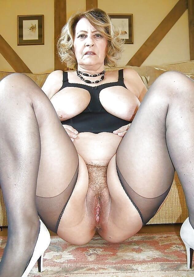 Free mature stocking porn-4207