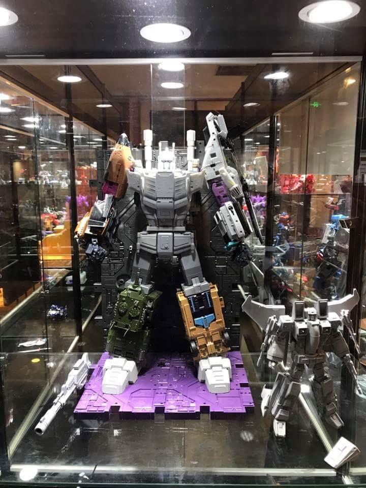[Zeta Toys] Produit Tiers - Jouet Armageddon (ZA-01 à ZA-05) et ZA-06 Bruticon - aka Bruticus (Studio OX et couleurs G1) - Page 3 UUyCnFi6_o