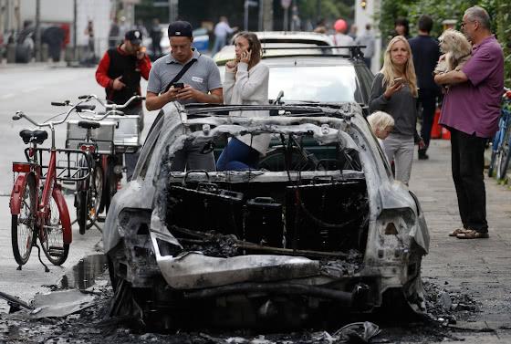 Сожжённый автомобиль
