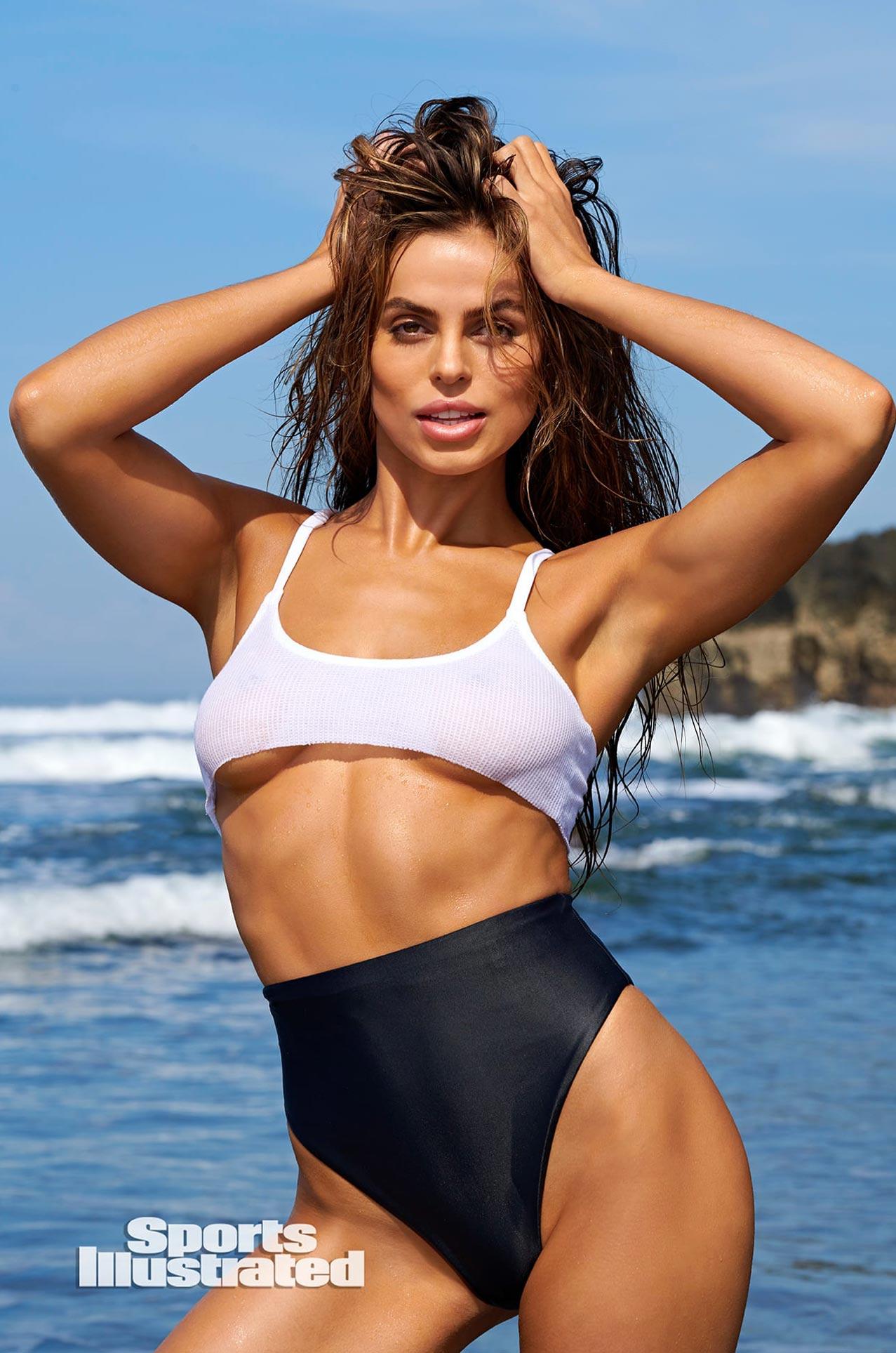 Брукс Надер в каталоге купальников Sports Illustrated Swimsuit 2020 / фото 08