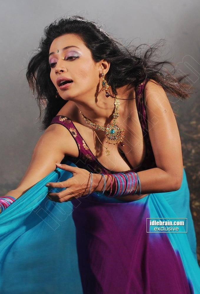 Asha saini hot kiss-4904