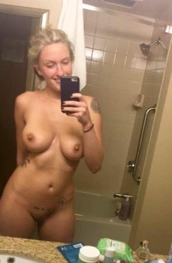 Nude booty selfies-8055