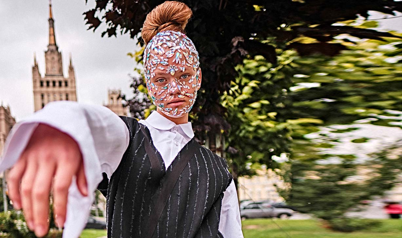 модель Валентина Шмелина, фотограф Алексей Янбаев / журнал StyleDelo август 2019