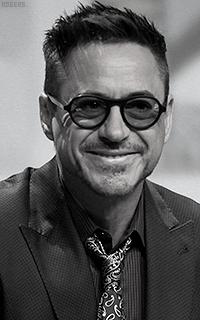Robert Downey Jr. YHzvPH5M_o