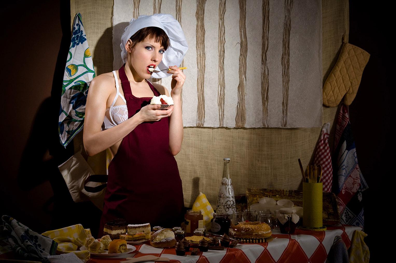Сабина готовит сексуальный десерт / фото 03