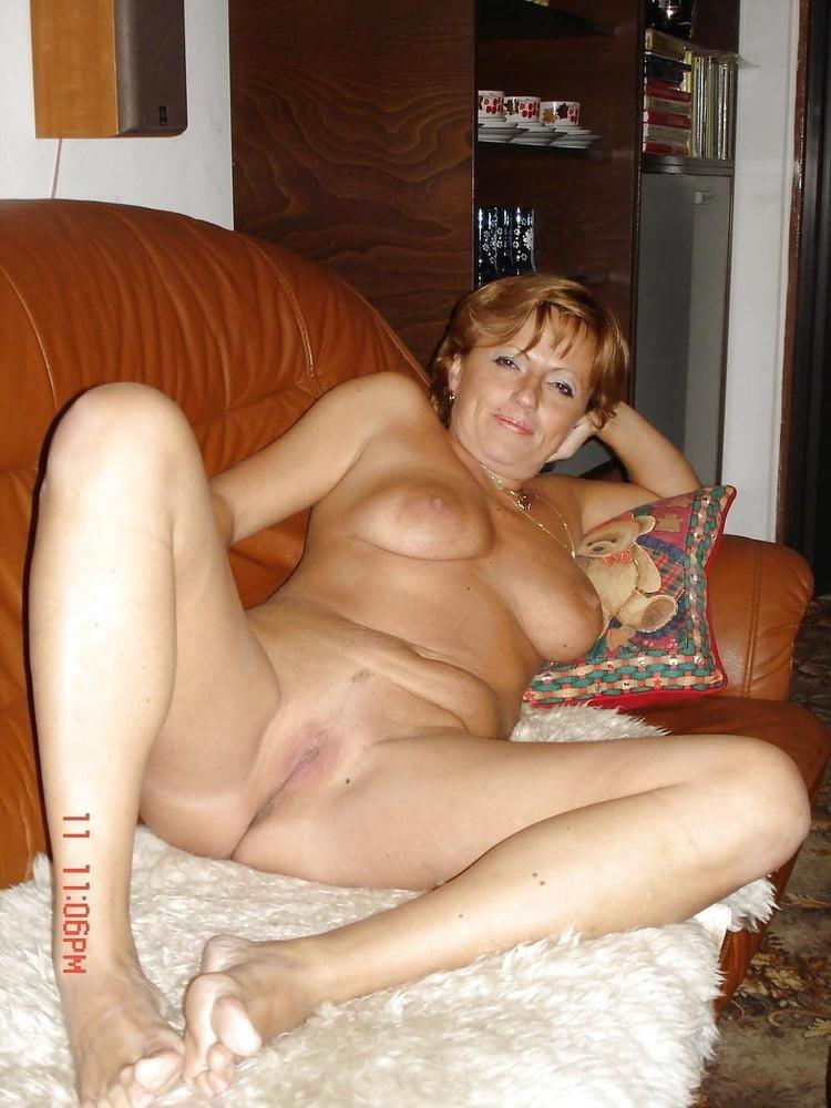 Girl milf pic-9209