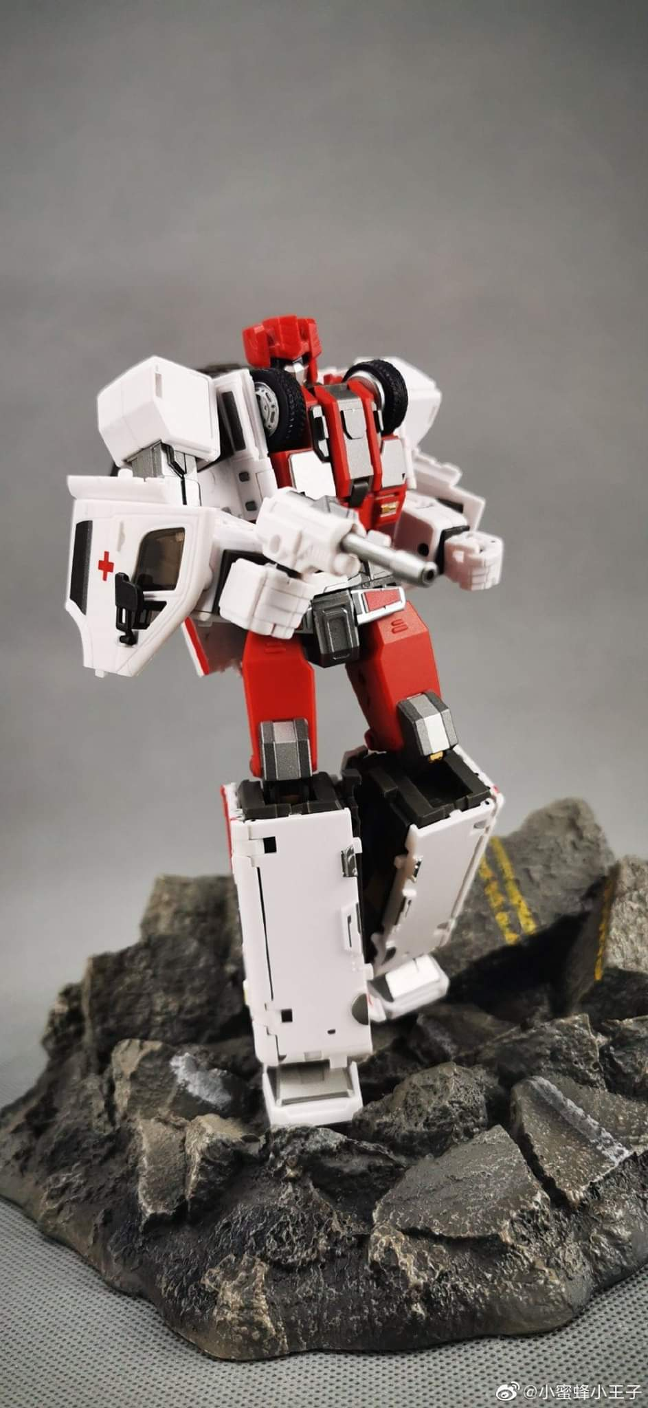 [Generation Toy] Produit Tiers - Jouet GT-08 Guardian - aka Defensor/Defenso - Page 2 BJNToLQ8_o