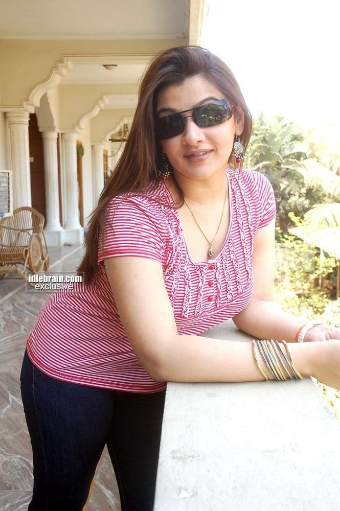 Aarthi agarwal sexy photos-8575