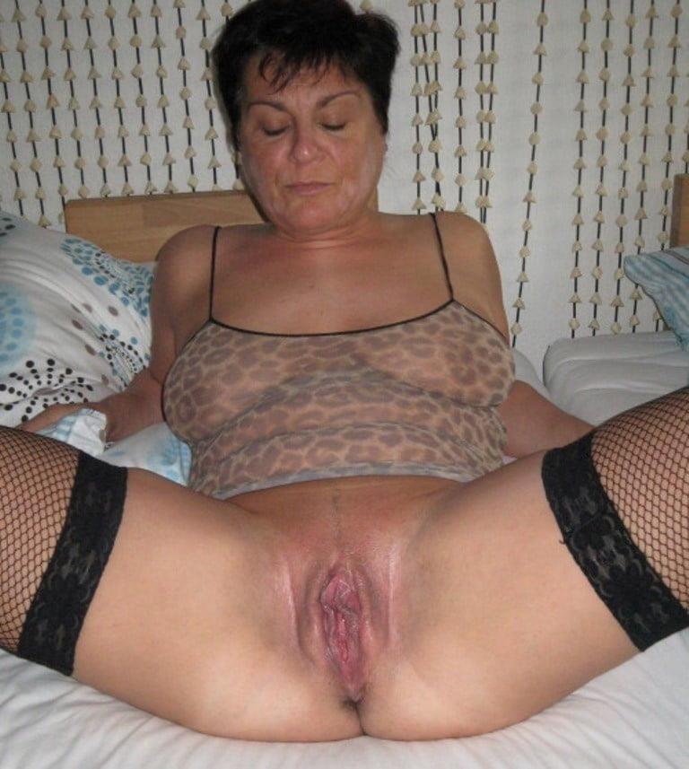 Older women cunnilingus-5958