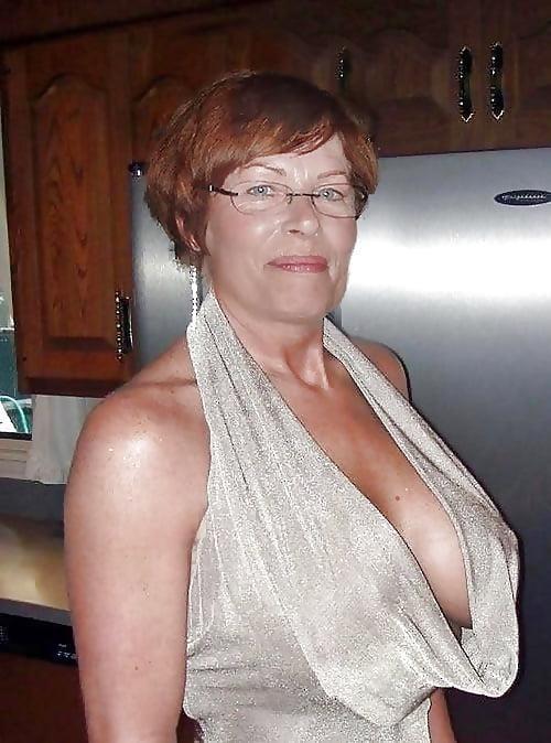Beautiful naked mature women pics-5317