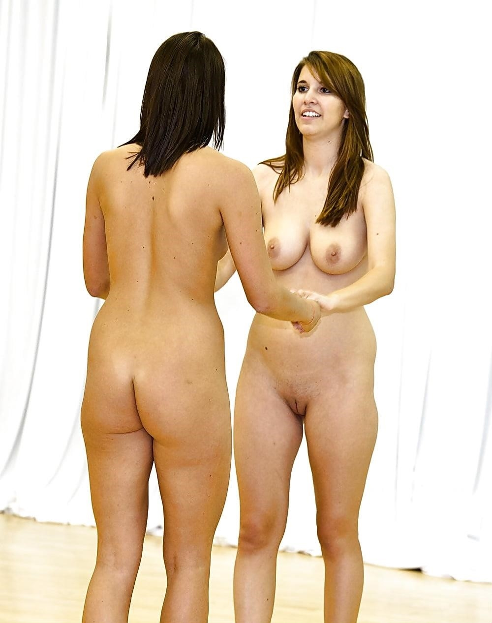 Naked girls dancing-4504