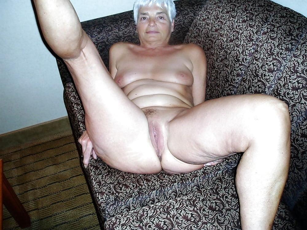Chubby granny naked-1023
