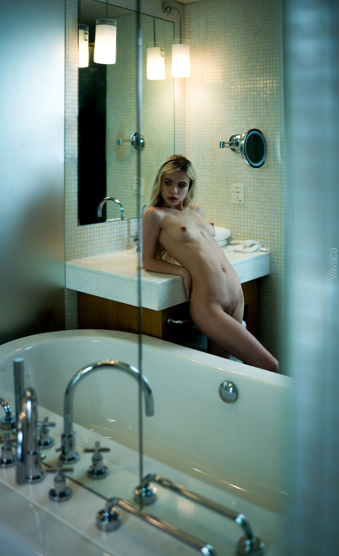 Александра Смелова принимает ванну / фото 08