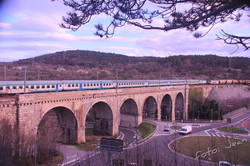 Talijanske željeznice - Rete Ferroviaria Italiana (Trenitalia, Trenord, Ferrovie Emiliane-Romagne,.....) - Page 6 HEKsItHH_o