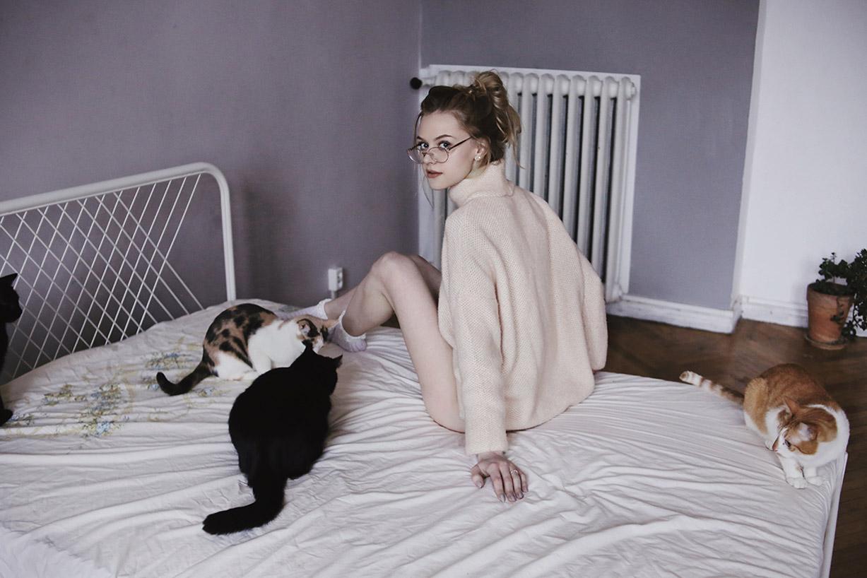 В гостях у кошек и их хозяки, художницы Марики / фото 14