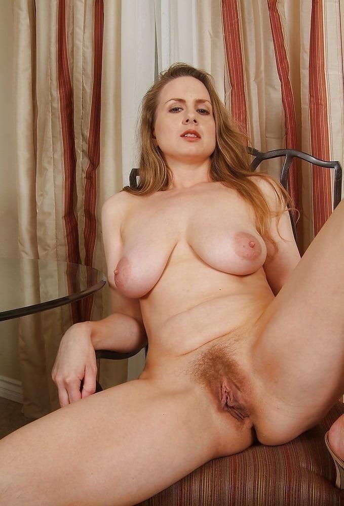Free pics naked mature women-4046