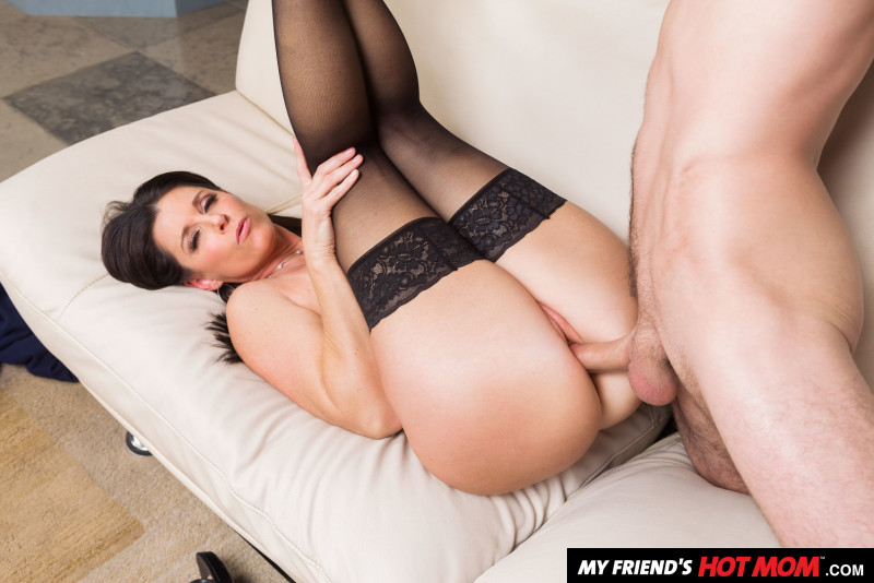 India Summer, Lucas Frost – My Friend's Hot Mom – Naughty America [HD]