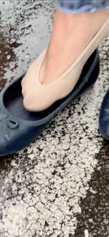 Sexy her feet-6503