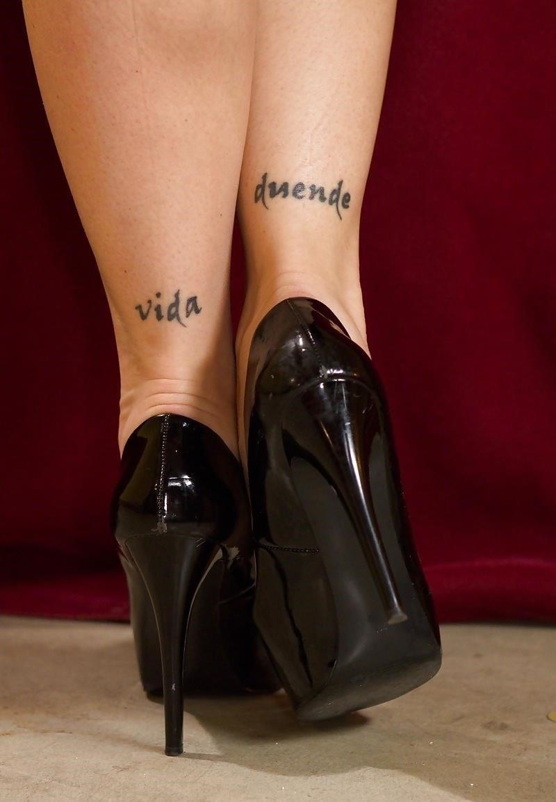 Sweaty lesbian foot worship-4228